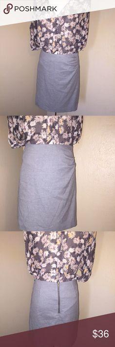 BCBG Skirt Pencil skirt in great condition. BCBG Skirts Midi