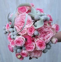 Bouquet légende de Yuia / rose, vert, bleu / Retrouvez cette composition sur http://www.drissia.fr/mariage https://www.facebook.com/pages/Drissia
