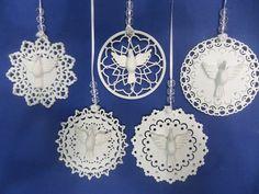 PEDIDO MINIMO : 5 PEÇAS  Mandalas para o entrar bem o Ano novo.  Aplicação de cristais.  Material em mdf de 3mm  Voce poderá optar por modelo pingente ou pingente cortina.