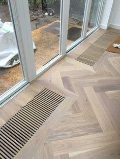 A lot of interior samples! Timber Flooring, Parquet Flooring, Planchers En Chevrons, Herringbone Wood Floor, Floor Design, Interior Design Living Room, Interior Architecture, New Homes, House Ideas