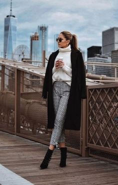 45 spring outfits you must get asap! Classy Business Outfits, Classy Outfits For Women, Classy Winter Outfits, Winter Outfits Women, Winter Fashion Outfits, Look Fashion, Classy Winter Fashion, Classy Chic Outfits, Office Outfits Women Casual