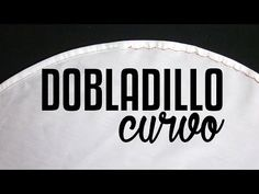 Cómo coser un ruedo curvo, con acabado profesional - Sewing Hacks, Sewing Tutorials, Sewing Projects, Clothing Patterns, Sewing Patterns, Types Of Purses, Diy Shops, Learn To Sew, Sewing Techniques