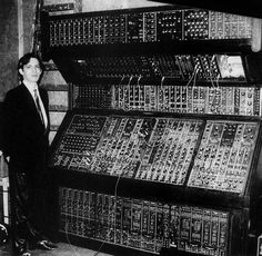 Hans Zimmer and a Moog synthesizer, 1970 [786 x 768]