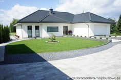 Blog MojaBudowa.pl - internetowy dziennik budowy, katalog firm budowlanych Family House Plans, Dream House Plans, Beautiful House Plans, Beautiful Homes, Modern Bungalow House, Dream Mansion, Concept Home, Prefabricated Houses, House Front