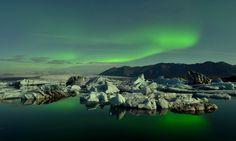 Jökulsárlón and the Aurora by Andreas Jones on 500px
