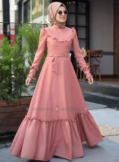 37 Ideas fashion hijab remaja gemuk - Real Time - Diet, Exercise, Fitness, Finance You for Healthy articles ideas Frilly Dresses, Modest Dresses, Stylish Dresses, Modest Outfits, Ruffle Dress, Abaya Fashion, Modest Fashion, Fashion Dresses, Estilo Abaya