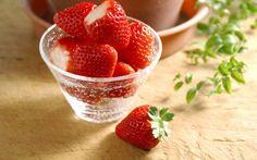 Téléchargez des papiers peints mobile gratuits Fruits, Nourriture, Fraise, Baies.