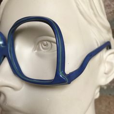 Upside down Vintage Silhouette eye frame. Great design and bright color