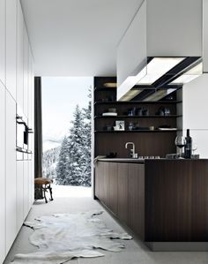 LACQUERED WOODEN KITCHEN WITH ISLAND TWELVE BY VARENNA BY POLIFORM | DESIGN CARLO COLOMBO
