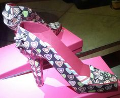 High Heel Shoe Free Design from #svgcuts.  It was so much fun.