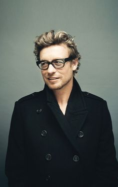 I know I've posted another pic of him before, and I hate to be redundant, but Simon Baker...could you be any cuter??