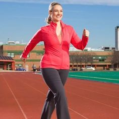 Pick Up the Pace! How to Walk Faster and Lose More Weight--Already love walking? Make this one tweak to your routine and you'll lose more weight and score a bigger health boost. Core Exercises For Women, Best Core Workouts, Power Walking, Walking Exercise, Health And Beauty Tips, Health Tips, Fitness Nutrition, Slimming World, Get Healthy