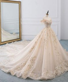Long Wedding Dresses, Princess Wedding Dresses, Wedding Gowns, Queen Wedding Dress, Tulle Wedding, Garden Wedding, Different Wedding Dresses, Wedding Evening Gown, Boho Wedding