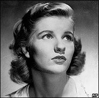 Barbara Bel Geddes, who has died of cancer, began her career on Broadway before becoming one of the biggest soap stars. Old Hollywood Stars, Old Hollywood Glamour, Classic Hollywood, I Movie, Movie Stars, Barbara Bel Geddes, Soap Stars, Alfred Hitchcock, Black And White Photography