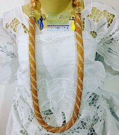 Chicote de Osun #yeyeo #osun #iyami #apaki #oxum #iyaba #chicote #candomble #ase #orisa #nkissi #ileke #umbanda #religiaoafro #africanidade #santo  #ase #chicote Visite nossa página no Facebook https://www.facebook.com/chicotes.arte.micangas/