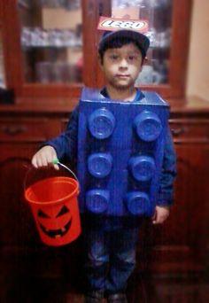 Proyecto: Halloween   El año pasado mi hijo estaba embelesado con los Legos. Jugaba con aquellos bloques de plástico de colores y se pasaba ...