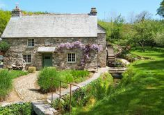 Book your self catering holiday cottage at Lavethan Mill, Cornwall, North Coast. Cottage Farmhouse, Cozy Cottage, Coastal Cottage, Cottage Homes, Cottage Style, Stone Cottages, Stone Houses, Cornwall Cottages, English Country Cottages