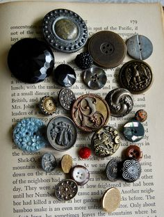o my! I love them! beautiful buttons