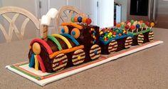 Cutest Chocolate Train Cake Ever! Trains Birthday Party, Cupcake Birthday Cake, Cool Birthday Cakes, Baby Birthday, Train Birthday Cakes, Train Cakes, Train Party, Birthday Ideas, Beautiful Birthday Cakes
