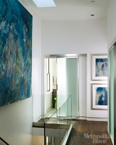 love the art placement in this hallway