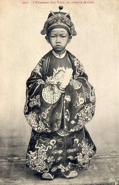 1907: The child emperor Duy Tan.