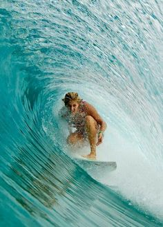 Surfing holidays is a surfing vlog with instructional surf videos, fails and big waves Big Waves, Ocean Waves, Ocean Beach, Photo Surf, Style Surf, Wind Surf, Big Wave Surfing, Surf Wave, Water Surfing