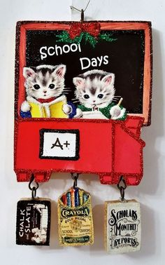 CATS at SCHOOL DESK, CRAYONS, SLATE, A+ * Glitter CHRISTMAS ORNAMENT * Vtg Img