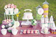 Girlie & Modern Tea Party in the Park / sweets table