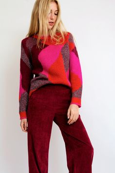 Check www.siennagoodies.com for more inspiring looks and the latest collection Red Sweaters, Sweaters For Women, Classic Work Outfits, Just Style, Knit Picks, Cardigan Pattern, Flower Fashion, Knitwear, It's Wonderful