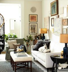Nice wall art gallery and eclectic furnishings cozy