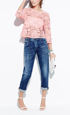 Love these vintage inspired cropped boyfriend jeans! A definite wardrobe staple.
