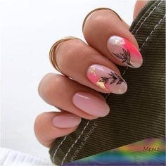 Prized by women to hide a mania or to add a touch of femininity, false nails can be dangerous if you use them incorrectly. Types of false nails Three types are mainly used. Minimalist Nails, Cute Nails, Pretty Nails, Gorgeous Nails, Soft Nails, Pink Nails, Hair And Nails, My Nails, American Nails