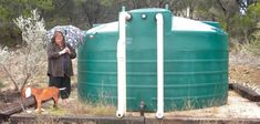 solar powered well water tanks for the home Organic Horticulture, Organic Gardening, Rainwater Storage Tanks, Led Store, Water From Air, Energy Efficient Homes, Rainwater Harvesting, Healthy Environment, Water Well