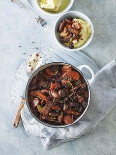 Mushroom bourguignon recipe | Jamie Oliver vegetarian recipe French Vegetarian Recipes, Vegetarian Roast, Veggie Recipes, New Recipes, Cooking Recipes, Veggie Dinners, Easy Cooking, Cooking Ideas, Mushroom Bourguignon