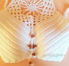 top crochet con abalorios Bikini, White Shorts, Tops, Women, Fashion, Beading, Bikini Swimsuit, Moda, Fashion Styles