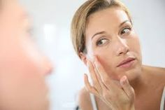 BEST EYE CREAM 2018 it should have effective ingredients in it, so that it can give its best results within some days.