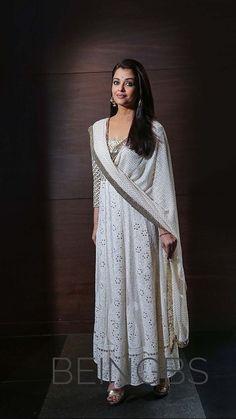 Aishwarya Rai in white dress After Marriage, Aishwarya Rai Bachchan, Indian Bollywood, Asian Actors, Beauty Queens, Lace Skirt, White Dress, Sari, Actresses