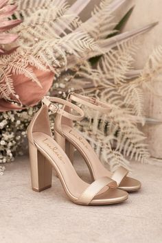 Step into the perfect wedding shoes! These gold heels will stun guests on your big day. Say I do in these comfortable block heels complete with an ankle strap. They pair perfectly with the bridal dress of your dreams. Gold Bridesmaid Shoes, Rose Gold Wedding Shoes, Bridesmaids Heels, Boho Wedding Shoes, Wedding Shoes Heels, Bride Shoes, Gold Bridal Shoes, Prom Shoes, Heels For Prom