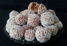 Krispie Treats, Rice Krispies, Healthy Desserts, Healthy Recipes, Protein, Recipies, Muffin, Paleo, Food And Drink