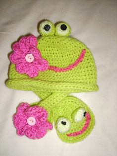 Baby frog set crochet hat and scarf for babyvery by Dulcescositas, £25.00 #teamdream #RT