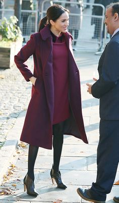 Meghan Markle& most special reunion, which . Estilo Meghan Markle, Meghan Markle Stil, Meghan Markle Dress, Meghan Markle Outfits, Meghan Markle Yoga, Casual Fall Outfits, Chic Outfits, Fashion Outfits, Work Outfits