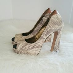 SALE Sam Edelman Snakeskin Chunky Heels Adorable Sam Edelman Cream & Gray Snakeskin Chunky Heels. Like New worn once Sam Edelman Shoes Heels