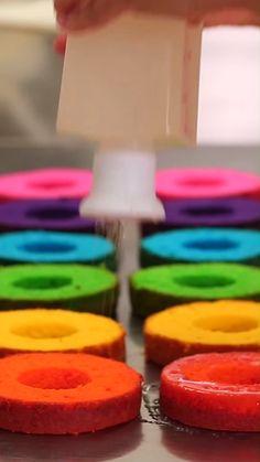 Rainbow Mini Cakes Rainbow Mini Cakes Yolanda Gampp l How To Cake It yolanda gampp HOW TO CAKE IT Rainbow Mini Cakes I nbsp hellip videos drawing Rainbow Desserts, Rainbow Cupcakes, Cute Desserts, Delicious Desserts, Rainbow Swirl Cake, Rainbow Frosting, Colorful Desserts, Rainbow Baking, Rainbow Food