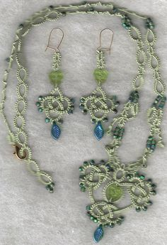 109 by Yarnplayer on Flickr: Tatted and beaded necklace inspired from a pattern by Ruth Perry.