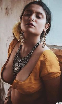 Beautiful Girl Makeup, Beautiful Girl Photo, Girl Spanked, Cleavage Hot, Tamil Girls, Beautiful Women Over 40, Sexy Wife, Beauty Photos, Beauty