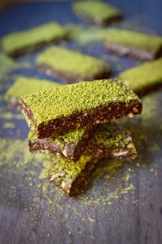 Little Market Kitchen: Dark Chocolate Matcha Date Bars (gluten free)