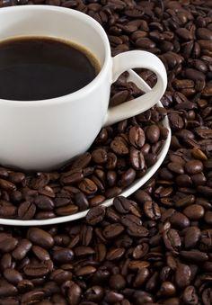 AVC : boire du café ou du thé vert pour s'en préserver