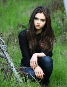 Audrey Gale, faced by India Eisley