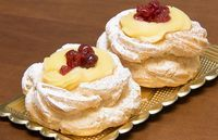 Per la festa di San Giuseppe non possono mancare le Zeppole. La ricetta originale prevede la frittura in olio caldo, ma io preferisco la cottura più saluta