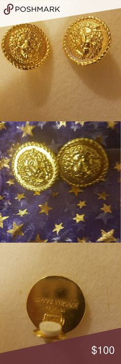 Lion Gianni Versace clip on Earrings Gold stunning nice earring,gold tone mideum size Versace Jewelry Earrings